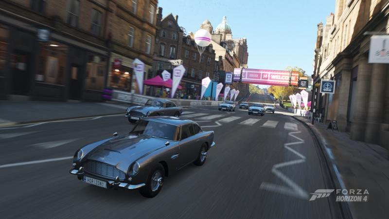 Эдинбург принимает чемпионат классических Aston Martin DB5 Джеймса Бонда. Машинам агента 007 посвящен отдельный набор (платный)